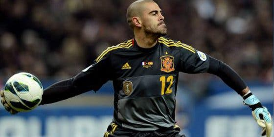 Valdés pide 'un dineral' al Sevilla por su fichaje