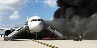 ¡Pánico a bordo! El incendio del avión que iba a despegar rumbo Caracas