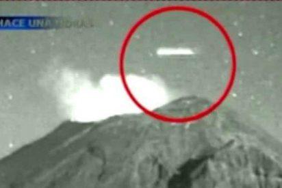 [Vídeo] ¿Qué son estas misteriosas luces que oscilan en el volcán Popocatépetl?