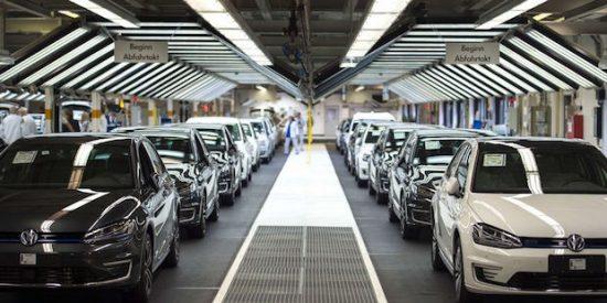 Volkswagen paga consecuencias, pierde 1.673 millones de euros