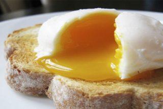 Tutorial: Cómo pochar (o escalfar) un huevo