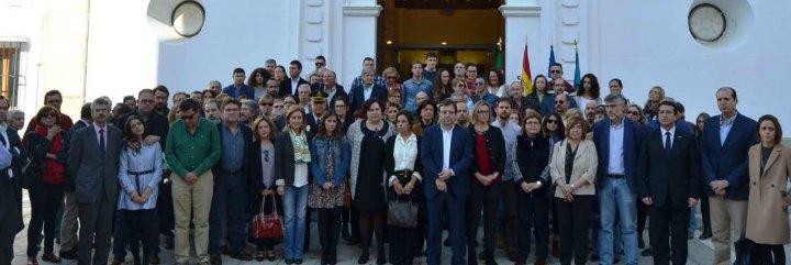 Extremadura muestra su apoyo al pueblo francés y su rechazo al terrorismo