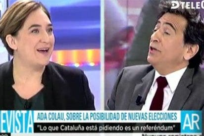 Las cinco 'bofetadas' de Arcadi Espada a la alcaldesa podemita Ada Colau