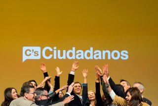 Ciudadanos, con 82-84 diputados, supera al PSOE, que se dará un batacazo histórico