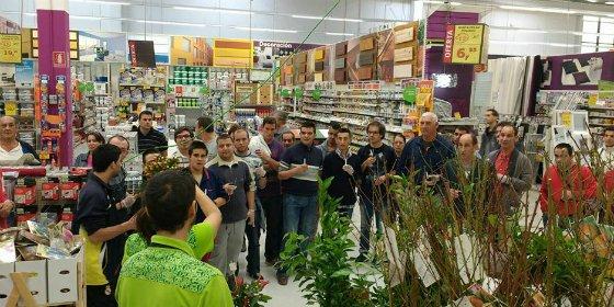 Usuarios del Centro Ocupacional y Centro de Día Olivenza participan en talleres formativos de ajardinamiento