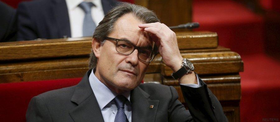"""El País sentencia a Mas: """"Es un muerto viviente"""""""