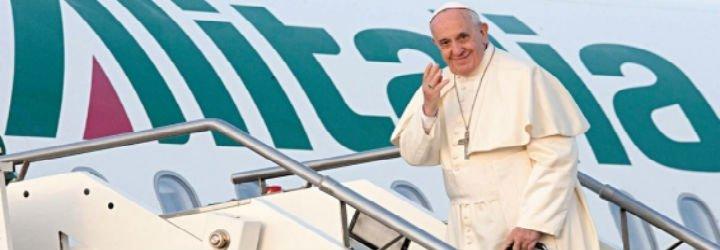 "Francisco ya vuela para ser ""signo de esperanza"" en África"