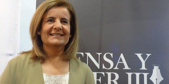 """Fátima Báñez: """"El paro cae al mayor ritmo trimestral de la historia"""""""