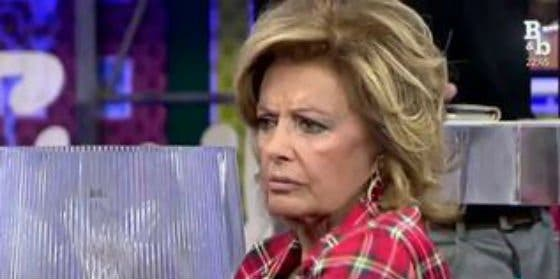 """El gran cabreo de María Teresa Campos con 'Sálvame': """"¡Esto es una falta de respeto a mi persona!"""""""