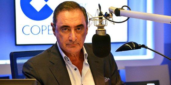 """Carlos Herrera destapa las intenciones de El País: """"Le pide ardor guerrero a Rajoy y al minuto se posicionará con el 'No a la guerra'"""""""