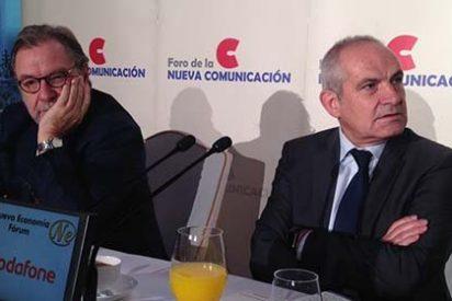 Ataque de cuernos de Cebrián con Rajoy por no ir al debate de El País y decirle sí a Bertín