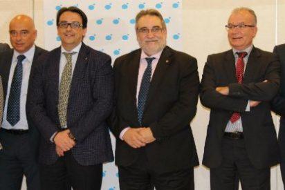 El consejero extremeño de Sanidad destaca el papel de las empresas en la renovación tecnológica del Sistema de Salud