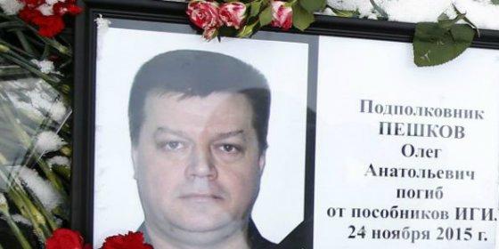 Turquía entrega a Rusia el cuerpo del piloto del avión derribado en Siria