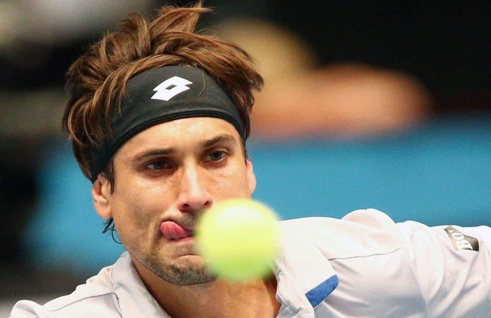 Wawrinka desarma a Ferrer y sigue con vida en el ATP Finals