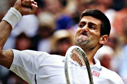 Novak Djokovic se impone a Roger Federer y cierra como Gran Maestro un año de récord