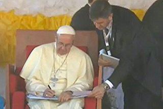 """El Papa en la Casa de Caridad clama contra """"las víctimas de la cultura del usar y tirar"""""""