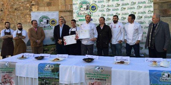 El chef Víctor Corchado, ganador del VIII Premio Espiga Corderex-Caja Rural de Extremadura