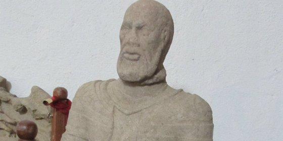 La estatua orante de Hernando Pizarro