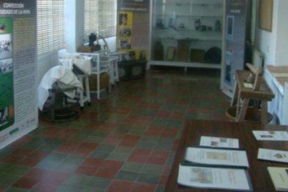 """La exposición """"La Mujer en La Raya"""" visita el Colegio Sagrado Corazón de Olivenza"""