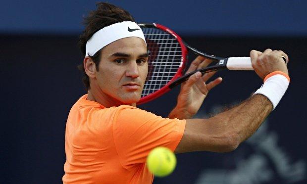 Federer y Murray debutan con sólidas victorias en París