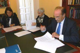 Ayuntamiento de Cáceres y Liberbank firman un convenio de 208.000 euros