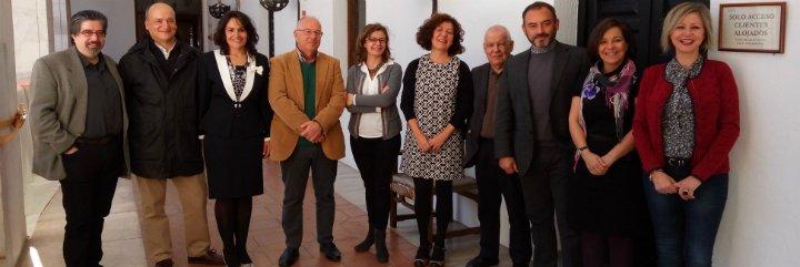 """""""El balcón en invierno"""" del escritor extremeño Luis Landero, ganador del Premio Dulce Chacón"""