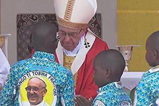 """Última misa del Papa en Bangui: """"Sed artesanos de la renovación humana y espiritual de vuestro país"""""""