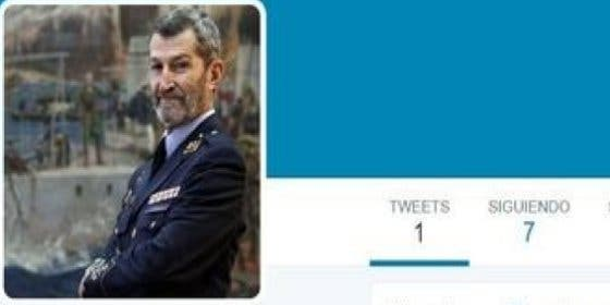 Las vergonzosas maniobras en Twitter del 'travestido' general reclutado por Podemos