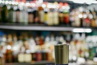 Estudios científicos revelan que el tradicional Dry Martini de James Bond debería llevar ginebra en lugar de vodka