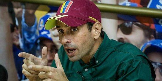 Capriles denuncia un ataque armado y carga de frente contra Maduro