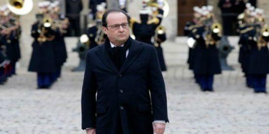 """Hollande: """"Os prometo que Francia destruirá ese ejército de fanáticos para proteger a nuestros hijos"""""""