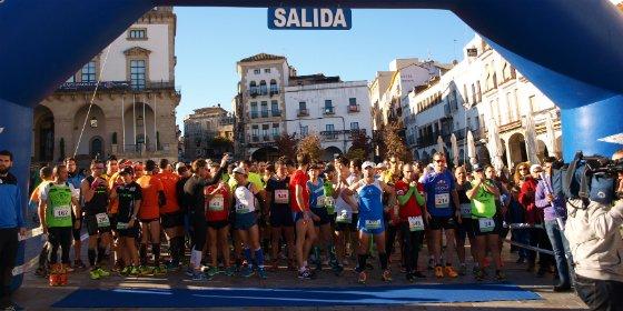 Más de 500 deportistas corren en Cáceres contra el VIH