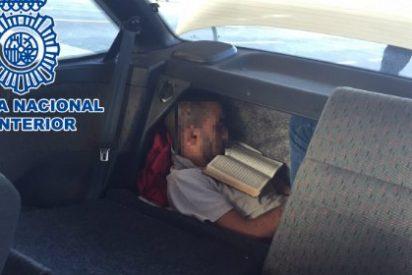 Localizado un inmigrante oculto en el doble fondo del maletero de un vehículo