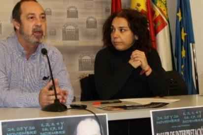 Jorge Roelas imparte un taller de teatro dentro de las actividades del Plan Urban Cultural en Mérida