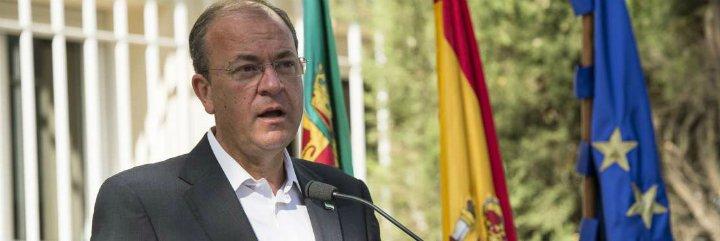 Monago pregunta sobre las medidas que está tomando la Junta de Extremadura para frenar la destrucción de empleo