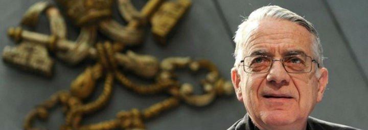 Lombardi asegura que el Papa no está solo y sigue luchando por alcanzar una transparencia total en el Vaticano