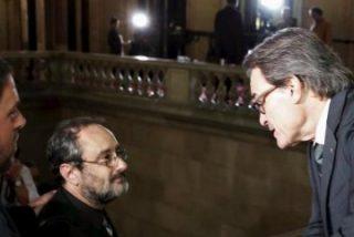 La república catalana bananera: la burguesía del 3 por ciento mendiga a los perroflautas
