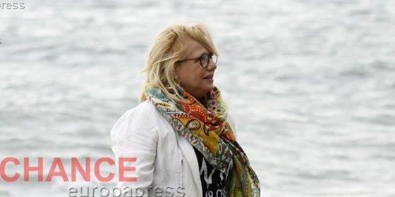 Mayte Zaldívar: muy familiar y chapoteos en el mar, así disfruta de la libertad