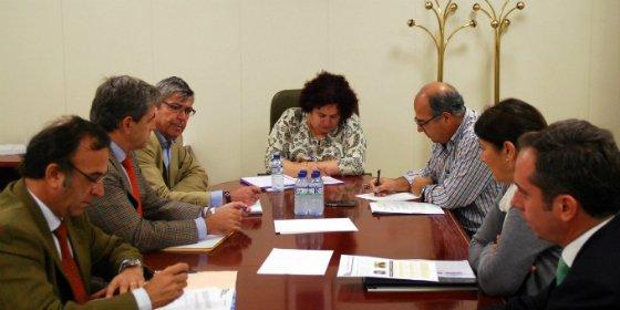 La Mesa Extremeña de la Caza pide a la Junta una moratoria de la recogida de residuos animales