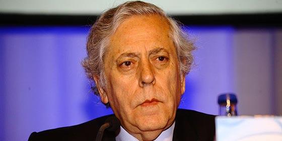 Juan Luis Cebrián fulmina a Miguel Angel Aguilar por sus críticas a El País en 'The New York Times'