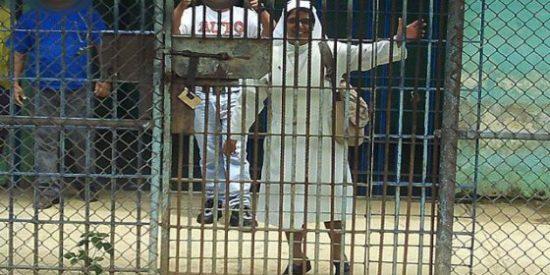 La mujer que camina intocable por una de las violentas cárceles venezolanas