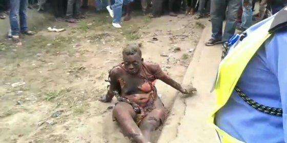 [Vídeo sin censura] La mujer que se quema viva tras asesinar al marido