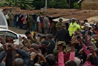 """El Papa en el suburbio de Kangemi: """"Trabajo, tierra y techo son un derecho sagrado"""""""