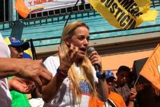El partido del chavista Maduro asesina a tiros a un opositor en pleno acto de la campaña venezolana