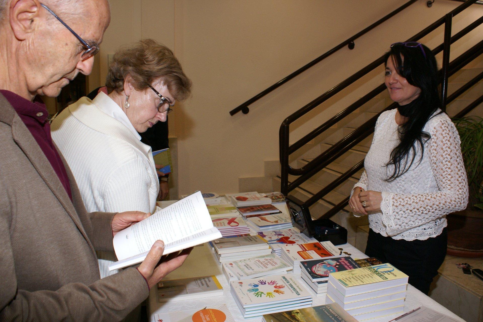 El Centro de Humanización de la Salud ha editado más de 10 libros en 2015