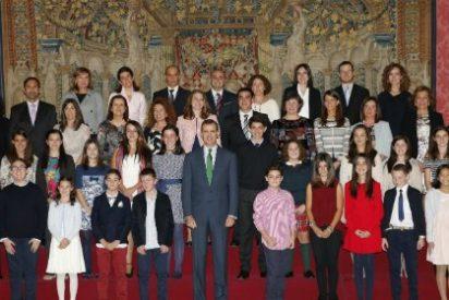 Felipe VI recibe a los escolares ganadores del 34º concurso ¿Qué es un Rey para ti?