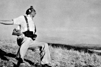 REPORTERO DE GUERRA: Robert Capa en blanco y negro (LIII)