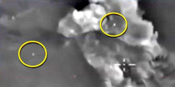 [VÍDEO] Los del DAESH creen que esos puntos son OVNIS que ayudan a la aviación rusa en Siria