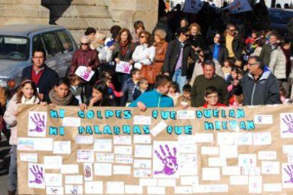 Valencia de Alcántara se solidariza con las víctimas de la Violencia de Género