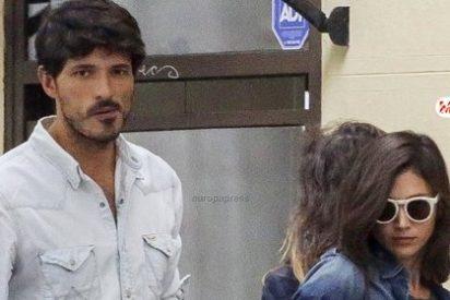 Velencoso sorprendido por como rompió con Úrsula Corberó en twitter